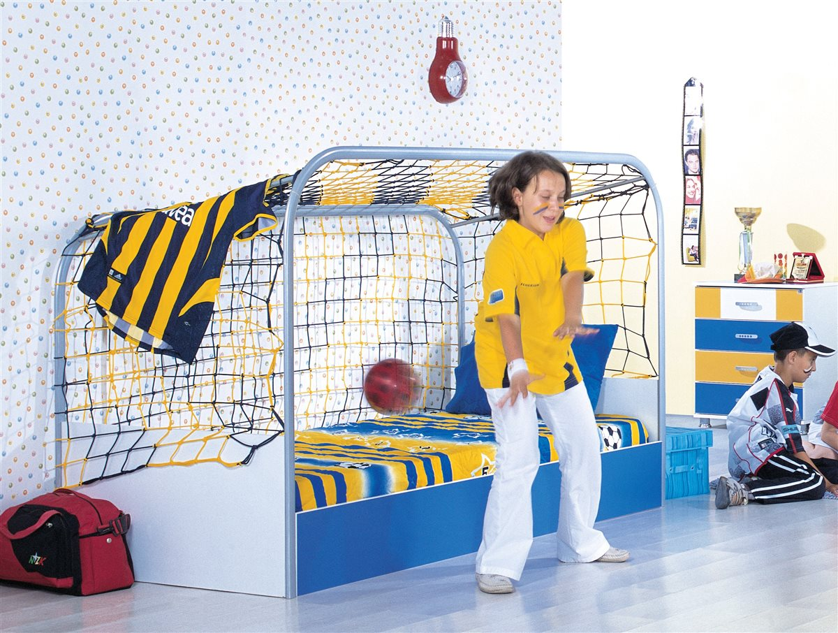 wm fu ballzimmer fu ballbett rot gelb kleiderschrank bett fu ball ebay. Black Bedroom Furniture Sets. Home Design Ideas
