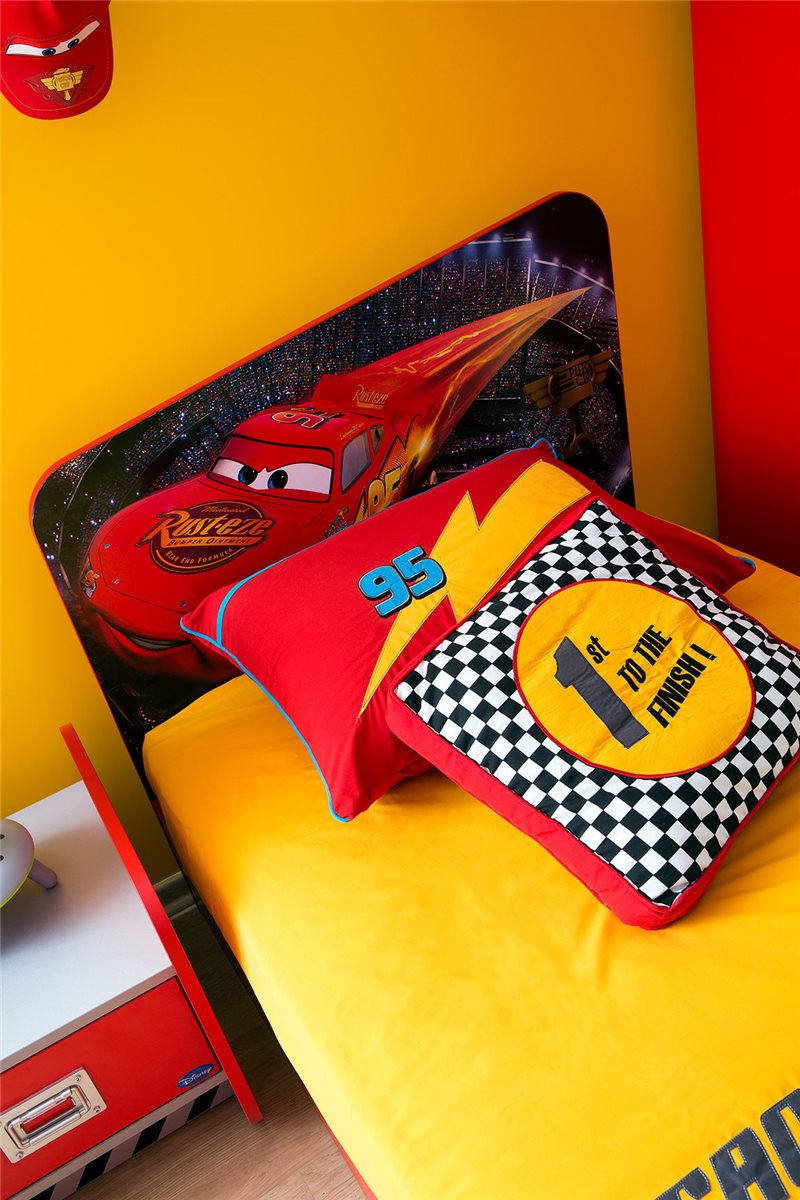 walt disneys cars standard kinderbett 90x200 ebay. Black Bedroom Furniture Sets. Home Design Ideas