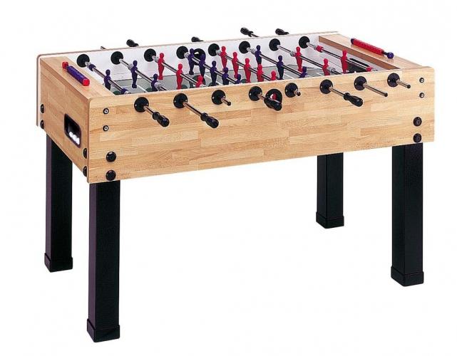 Leonhart Foosball Table Dieser Kicker hat Figuren die auf die Stangen gegossen sind und somit ...
