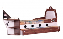 Piratenzimmer mit Piratenbett und Piratenschrank